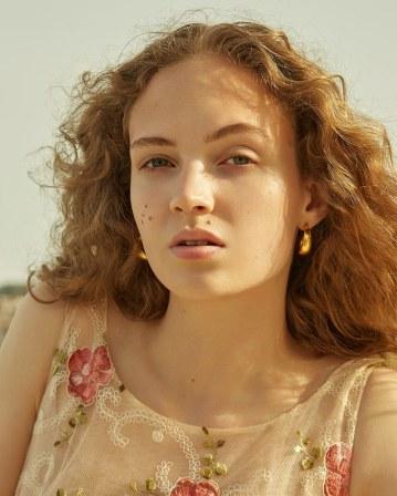 Vogue-Poland-Adrienne-Juliger-Agata-Pospieszynska-1