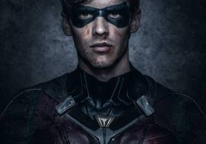 brenton-thwaites-close-up-robin-bruised