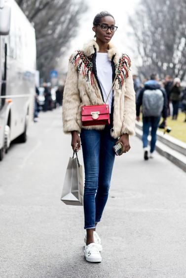 como-usar-casaco-felpudo-ou-de-pelc3bacia-06