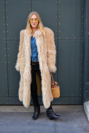 como-usar-casaco-felpudo-ou-de-pelc3bacia-20