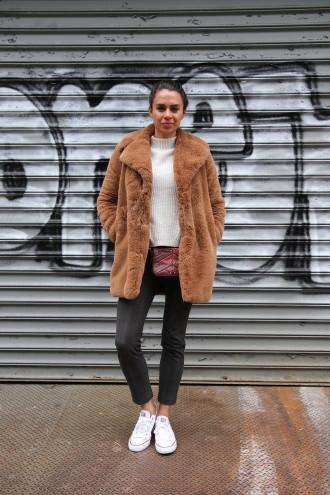 como-usar-casaco-felpudo-ou-de-pelc3bacia-24