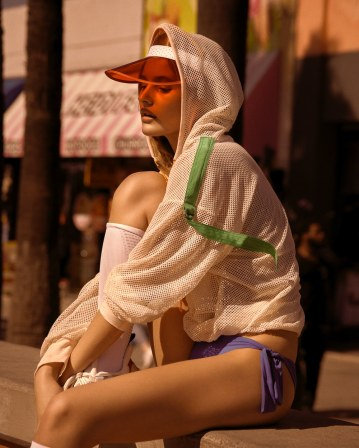 Harpers-Bazaar-Czech-Paige-Reifler-Andreas-Ortner-2