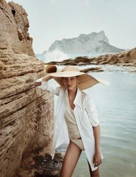 Mujerhoy-Magazine-Rasa-Valentino-Jonathan-Segade-4