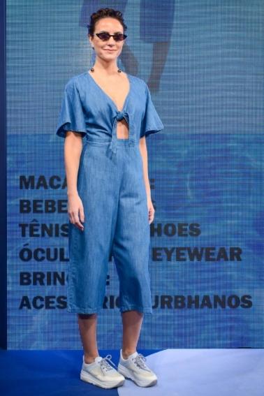 O jeans aparece em versões mais leves para o verão Foto: Rene Martins/Divulgação