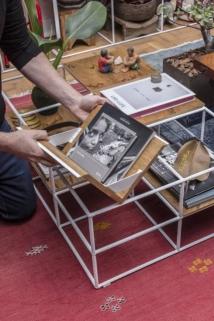 É possível dar diferentes usos a mesa de centro modular. Foto: Zeca Wittner