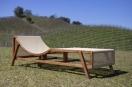 Espreguiçadeira Flag Wood, uma releitura do sofá que leva o mesmo nome. Foto: Rodinaldo Severo Goulart