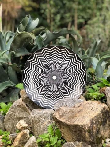 Target Zigzag Coleção Emoções Urbanas - Op Art, de Cris Azevedo (Foto: Divulgação)