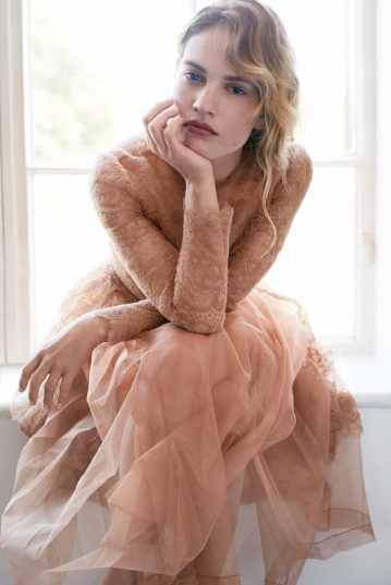 Lily-James-Vanity-Fair-David-Slijper-4