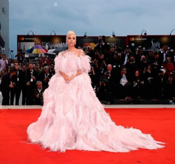 Essa produção toda pink é Valentino