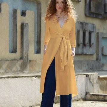 Vestido da Neriage (R$ 1.480) com calça Martins.Tom (R$ 740)