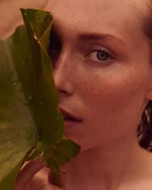 Caroline-Lossberg-Vogue-Portugal-Andreas-Ortner-6