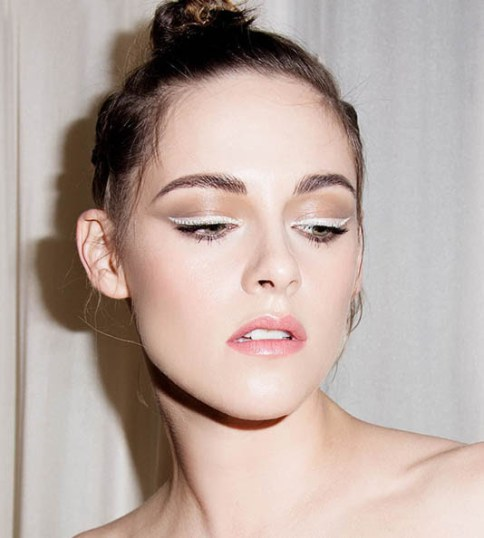 eyeliner-blanco-el-maquillaje-mas-inesperado-del-verano