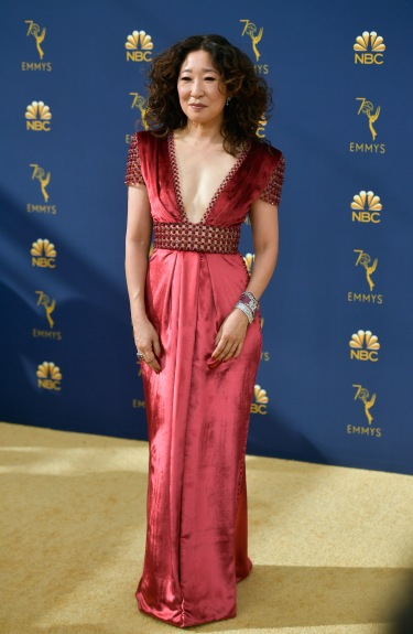LOS ANGELES, CA - SEPTEMBER 17: Sandra Oh attends the 70th Emmy Awards at Microsoft Theater on September 17, 2018 in Los Angeles, California. (Photo by Matt Winkelmeyer/Getty Images)