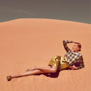 Hana-Soukupova-How-To-Spend-It-Magazine-Luis-Monteiro-11