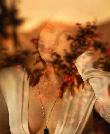 Julianne-Moore-Porter-Magazine-Camilla-Akrans-11