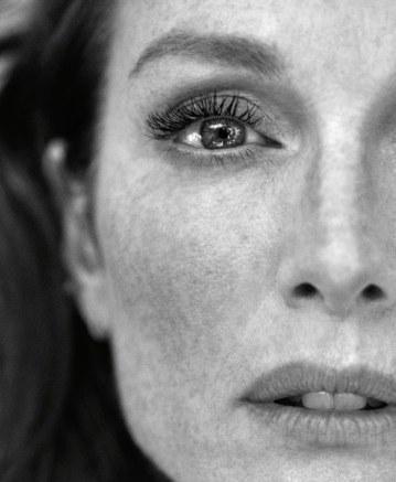 Julianne-Moore-Porter-Magazine-Camilla-Akrans-8