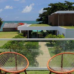 Poltronas TIDELLI para aproveitar o panorama da área externa e dos lofts