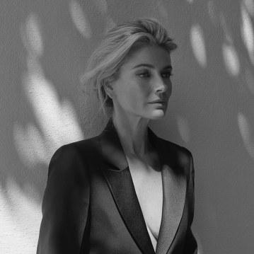 Paulina-Porizkova-ELLE-Czech-Andreas-Ortner-17