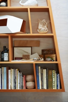 08_-_lighthouseinteriorshelfdetail