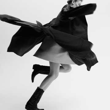 Alexandra-Elizabeth-Ljadov-for-SCMP-Style-by-Ricardo-Beas-2