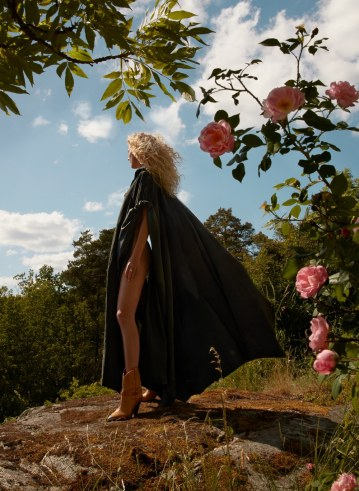 Camilla-Akrans-Vogue-Japan-Frederikke-Sofie-6