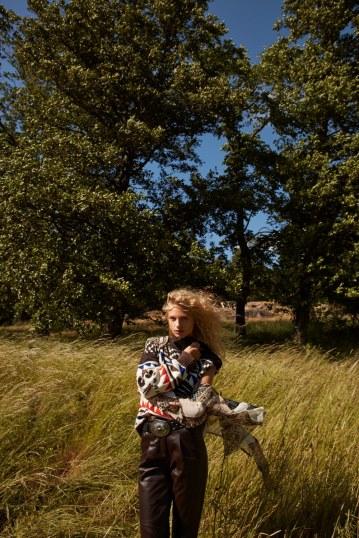 Camilla-Akrans-Vogue-Japan-Frederikke-Sofie-7