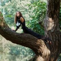 Fashion-Stylist-Oguz-Erel-Latest-Editorial-for-ELLE-Turkey-Emre-Unal-2