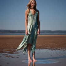 Harpers-Bazaar-Harriet-Longhurst-Kate-Davis-Macleod-2
