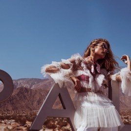 Kate-Bock-Grazia-Summer-2018-Fashion-Editorial-Steven-Chee-6