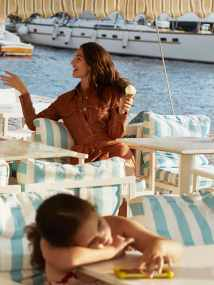 Lily-Aldridge-Harpers-Bazaar-Greece-October-Yulia-Gorbachenko-4