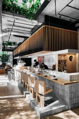 restaurante_japones_em_montreal_aposta_no_uso_de_materiais_naturais_1