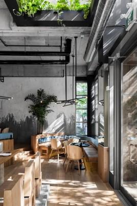 restaurante_japones_em_montreal_aposta_no_uso_de_materiais_naturais_11