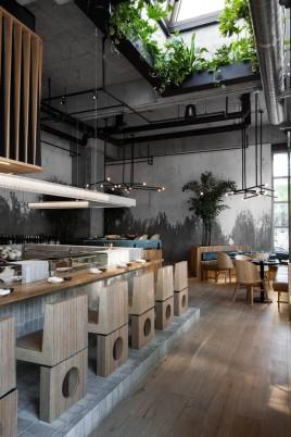 restaurante_japones_em_montreal_aposta_no_uso_de_materiais_naturais_7