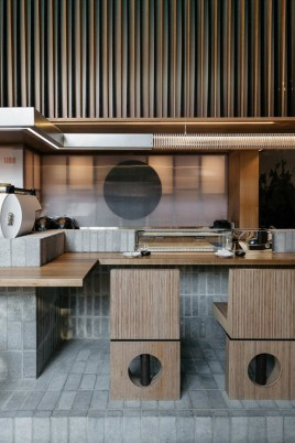 restaurante_japones_em_montreal_aposta_no_uso_de_materiais_naturais_8