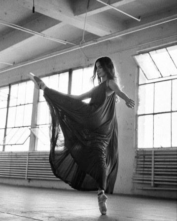 Violetta-Komyshan-for-The-Sunday-Times-Style-by-Ungano-Agriodimas-11