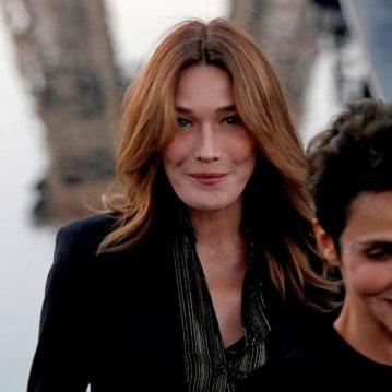 Carla Bruni na Saint Laurent   FRANCOIS GUILLOT / AFP