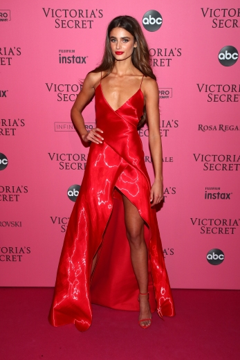 NEW YORK, NY - NOVEMBER 08: Taylor Hill attends the 2018 Victoria's Secret Fashion Show After Party on November 8, 2018 in New York City. (Photo by Astrid Stawiarz/Getty Images for Victoria's Secret)