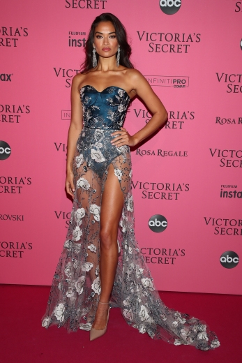 NEW YORK, NY - NOVEMBER 08: Shanina Shaik attends the 2018 Victoria's Secret Fashion Show After Party on November 8, 2018 in New York City. (Photo by Astrid Stawiarz/Getty Images for Victoria's Secret)
