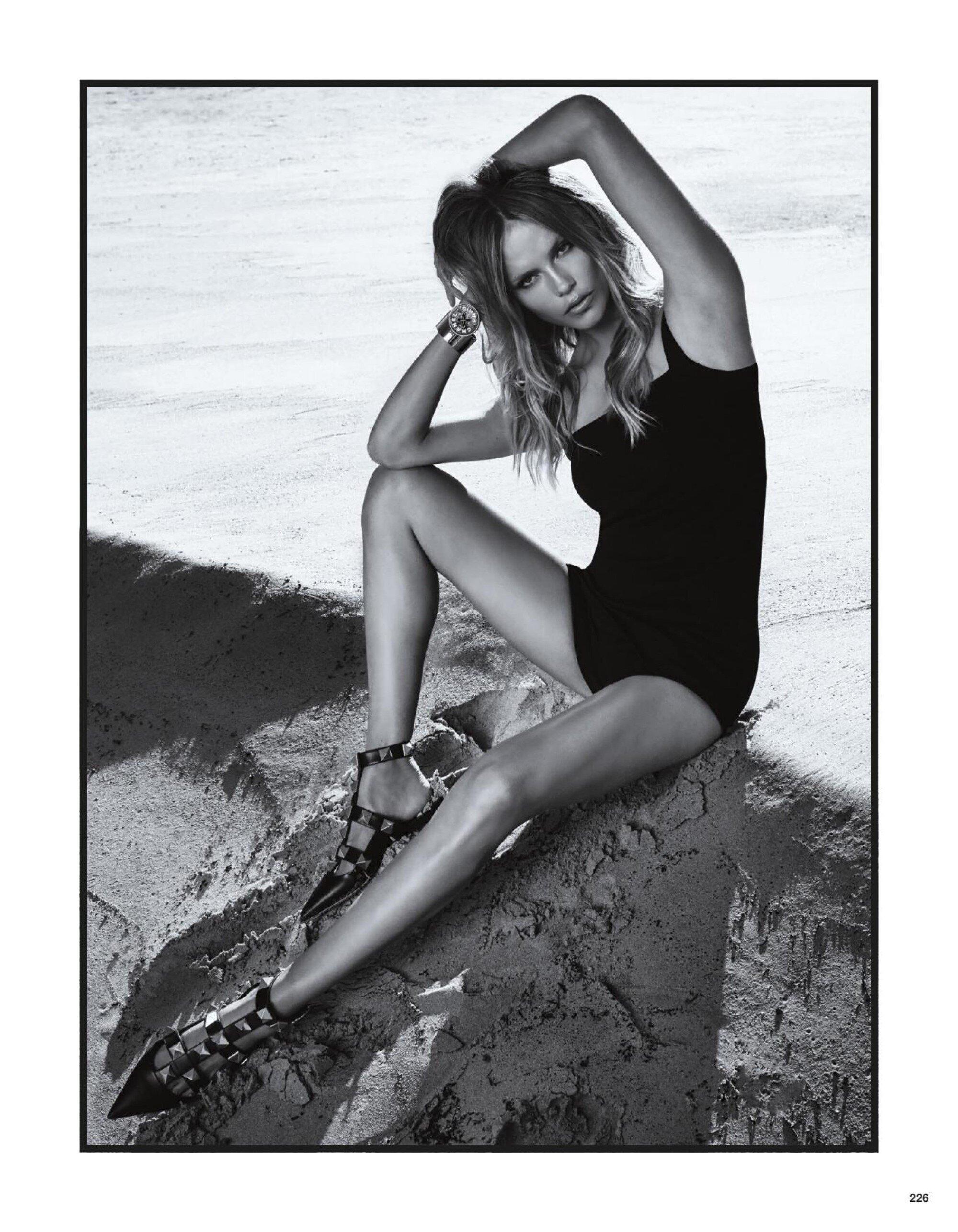 Edita Vilkeviciute, Natasha Poly by Luigi Iango Vogue Japan May (4).jpg